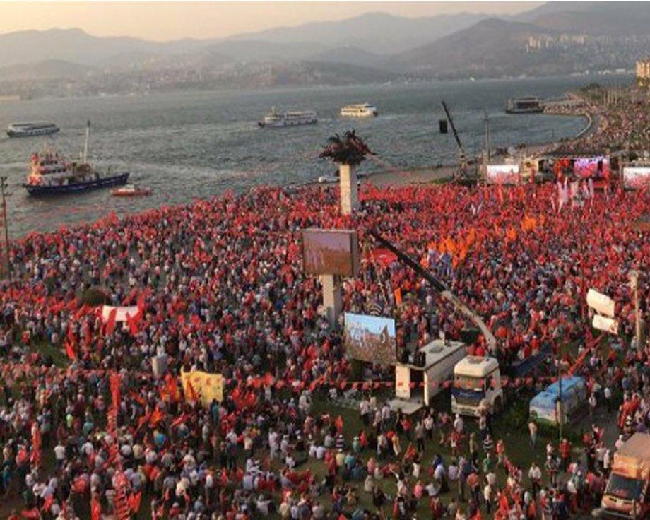 İstanbul'dan Sonra İzmir'den Haykırdık: Darbeye Hayır! Demokrasi Hemen Şimdi!