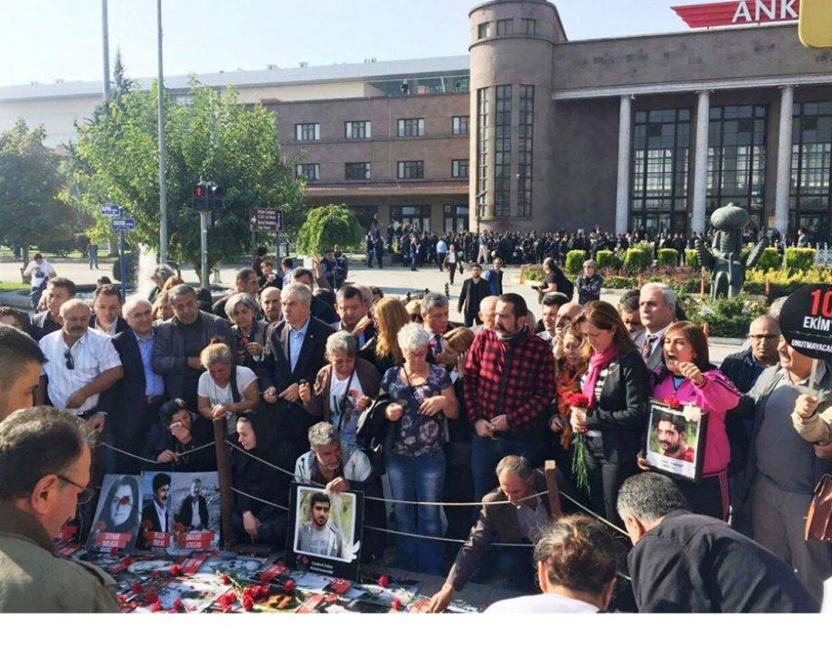 """Birinci yılında Ankara Katliamı:""""Yasaklarla acılar yok sayılamaz"""""""