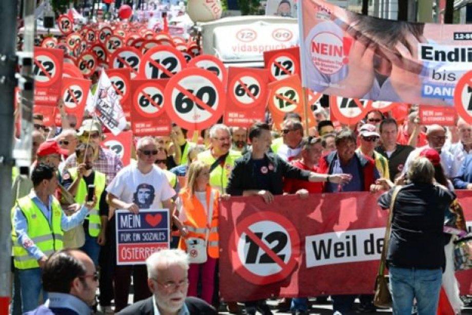 Avusturya'da 100 Bin İşçi Sokağa Çıktı!