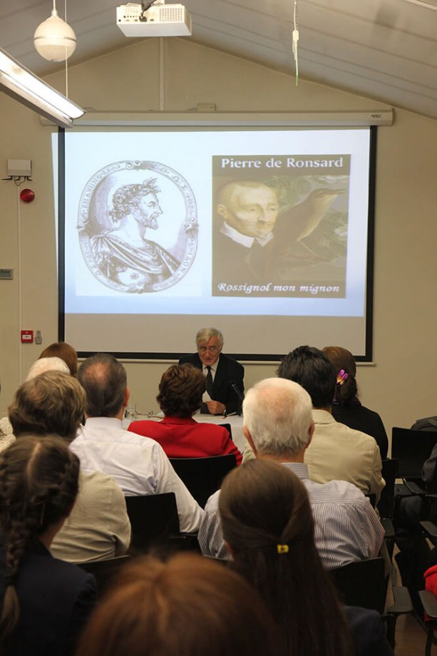 La poésie française à travers ses traductions en turc, Doç. Dr. Nevzat Yılmaz.
