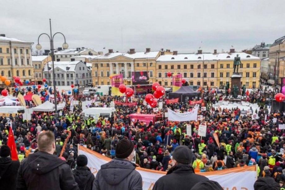 Finlandiya İşçileri İşsizlerin Hakları İçin Greve Çıktı!