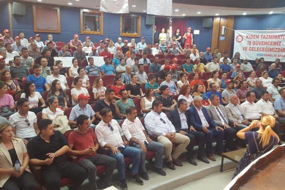 Tire Belediyesi'nde Coşkulu Toplu İş Sözleşmesi