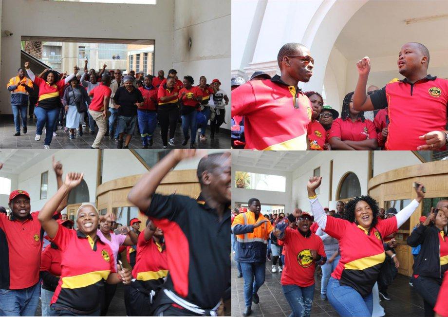 Güney Afrika'da Belediye İşçileri Greve Çıktı!