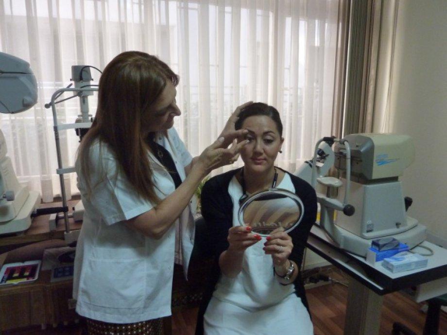 Tıbbi, terapötik ve kozmetik kontakt lens uygulamaları