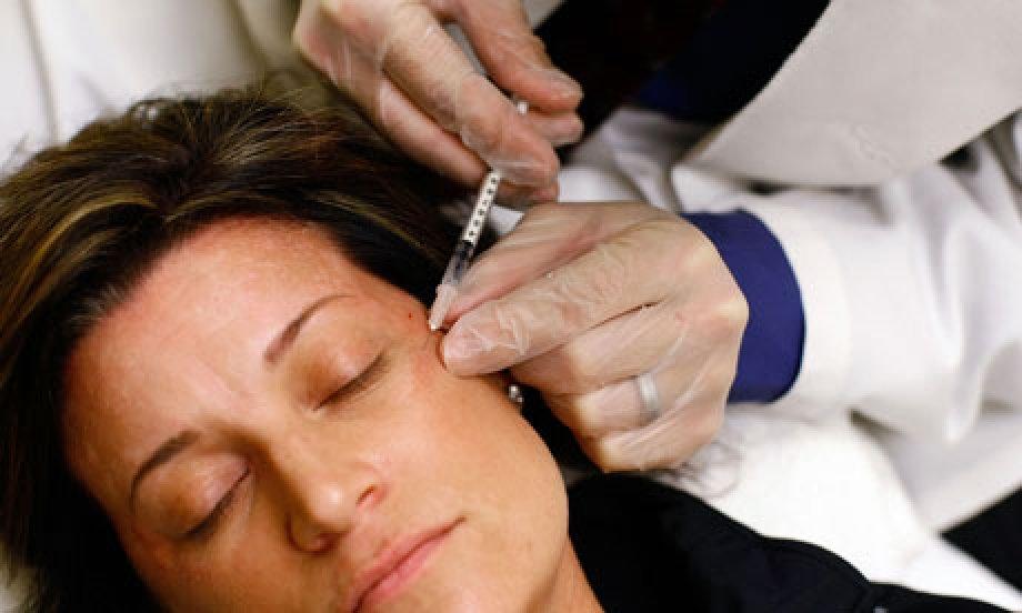 Kozmetik ve terapötik Botilinum Toksin A enjeksiyonları