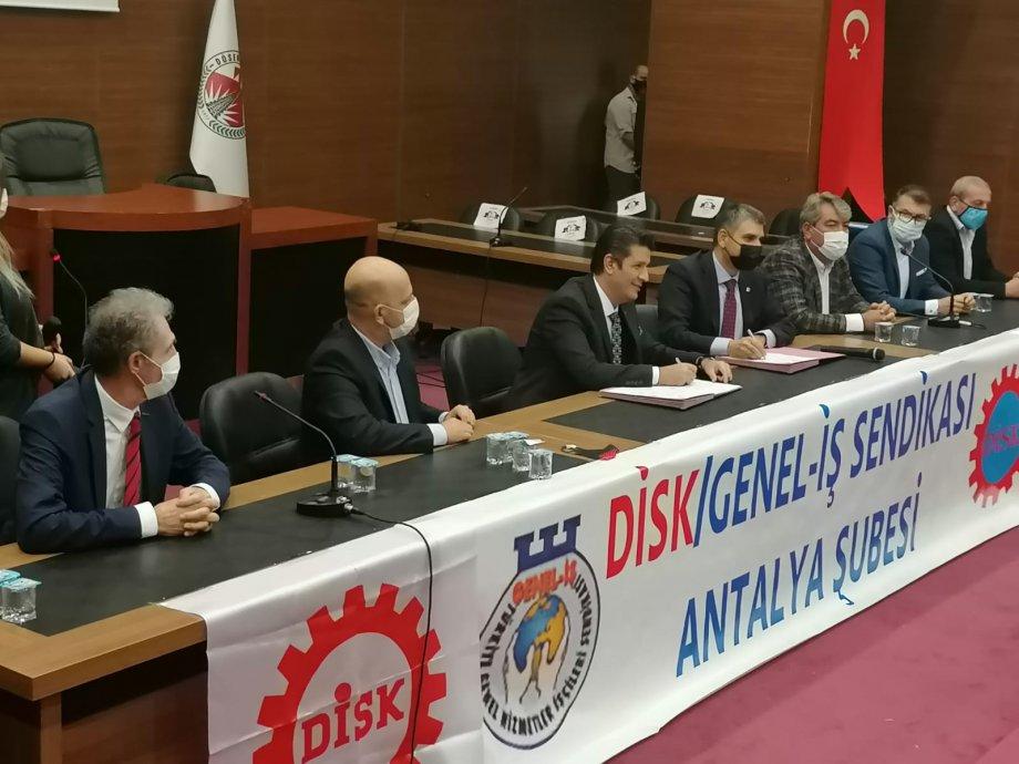 Döşemealtı Belediyesi'nde Toplu İş Sözleşmesi İmzaladık